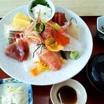 112020649 - 大皿海鮮丼