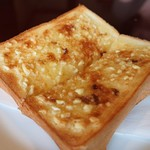 YAMA - アーモンドトーストおいしい~♪