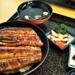 うなぎ料理 くりはら - 鰻丼(特)、3300円+税