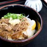 麺八 - 肉ぶっかけ冷