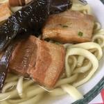 宮里そば - 柔らかく煮込んだ三枚肉、スープともアッサリ