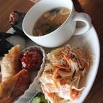 cafe Clematis - 中華サラダとマカロニサラダ