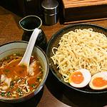 魚らん坂 - 味玉魚醤つけ麺