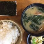 十八番 - 貝汁ミニ(¥300)海苔(¥50)