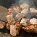 トレシェーナ - 【ディナー限定】ステーキ食べ放題! 目の前で香ばしく焼き上げる逸品ステーキを 心ゆくまでお召し上がりください。
