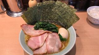 麺屋 庄太 赤坂店 - 家系らぁ麺(並) + 特トッピング