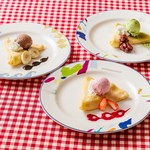 トレシェーナ - 土日祝限定【クレープコーナー】ランチは3種類から、ディナーは5種類のソースからお選びください。