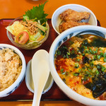 百花亭 - 料理写真:ユッケジャンうどん定食
