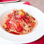 ワビサビ ビアンコ - 料理写真:ベーコンのトマトソース
