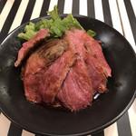 熟成肉ステーキバル Gotties BEEF - BGステーキ丼 ご飯大盛り(ご飯大盛り無料)