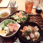1121504 - デミたまご飯/タコ飯Makiba風/Makibaサラダのスープセット890円+ドリンク199円