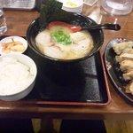 麺屋ふくちぁん - 餃子セット(+\350)