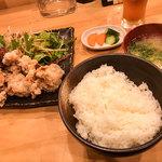 炭火やきとり もっけい - 日替りサービスランチは650円! この日は「若鶏の唐揚げ」でした。