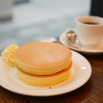 ルポーゼすぎ - プレーンホットケーキ (¥600)、ブレンド (ゴールデン) (¥500 -200)