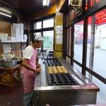 さのや 今川焼店 - そろそろ夕方・・最後のロットです。