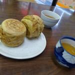 さのや 今川焼店 - 冷たい番茶と。