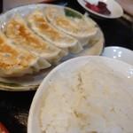 中華食堂 萬里 - 4個だがでっかい。