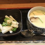 ひら田 - 当日の小鉢と茶碗蒸し