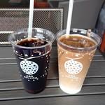 112125121 - アイスコーヒーとアイス・カフェ・オ・レ