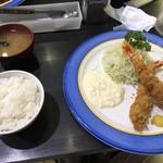 112131960 - 大エビ2本フライ定食、1,500円。