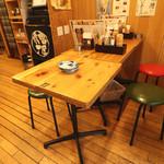 串屋横丁 - テーブル席