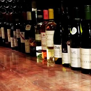ソムリエが選び抜いたワイン。種類の多さは新宿・東京随一?!