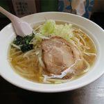 まかない厨房 双葉 - 料理写真:塩ラーメン(680円)