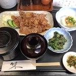 新日本料理 美正 - 蓋がご飯と味噌汁に付いています。◎