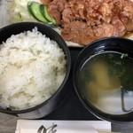 新日本料理 美正 - ご飯と味噌汁。