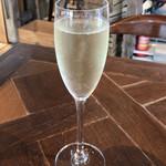 ステーションカフェ バーゼル - スパークリングワイン