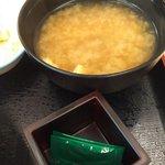 112160700 - 味噌汁、山椒2個
