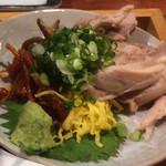 鶏飯 広小路バード - キムチがあるのはこの店オリジナル? 味の調節はキムチとスープの量で。