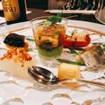 112174906 -                        前菜。ほうずきの宿借り鱧・枝豆、チーズ西京焼き、雲丹とじゅん菜ジュレ、つる菜のお浸し、冬瓜ふくませ、南瓜・蛸柔煮、鰯の梅酢。