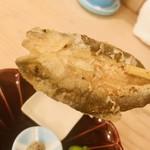 割烹天竜 - 稚鮎の唐揚げ  琵琶湖産。 ただの脂の塊。美味しくないです。