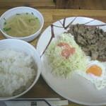 前田食堂 - 焼肉おかず (750円)