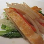 中国料理 桃花林 - 小松菜を敷いて