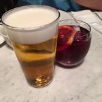 MORETHAN TAPAS LOUNGE - ビールで乾杯♪