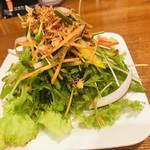 酒彩厨房 玄 - 藤枝で1番安いサラダ  50円
