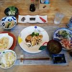 カフェ&イン 吉里吉里 - 料理写真:
