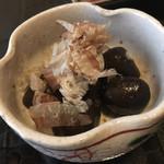 sakazukiyakaduchi - ピリ辛こんにゃく
