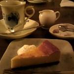 11219380 - ケーキセット(コロンビア スプレモ&チーズケーキ)☆