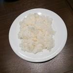 112190387 - ライス&スモールサラダセット 350円+税 の ライス(普通盛り)