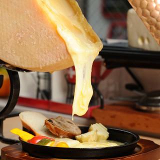 とろーり溶けたラクレットチーズを召し上がれ★