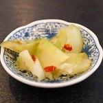 芙蓉園 - お通し  搾菜(ザーサイ)