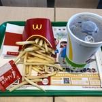 マクドナルド - 料理写真:マックフライドポテト+シャカシャカフレーバー(ホットチリ)