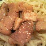 大鷹ラーメン - 濃厚魚介つけ麺(330g) 650円 のチャーシュー