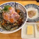 魚百 - 魚河岸海鮮丼990円
