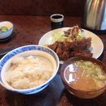 とんかつ かつ花 - 料理写真:ロースかつ定食660円