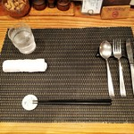 グリル末松 - テーブルセッティング