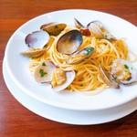 トラットリア インコントロ - 旨味たっぷり アサリのスパゲティ